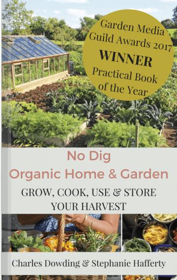 ★★★★★ (UK)Le jardinage 'no dig' (sans bêcher) reçoit tous les honneurs.